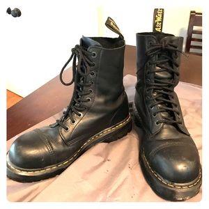 Men's 10 eyelet Doc Martens boot